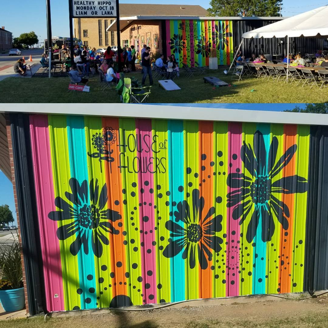 You are currently viewing Finished up the Mural at House of Flowers!